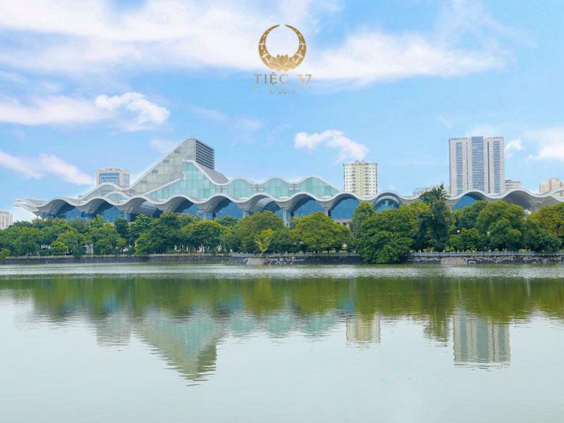 Trung tâm hội nghị Quốc gia – Địa điểm lý tưởng cho bữa tiệc ngoài trời đẳng cấp