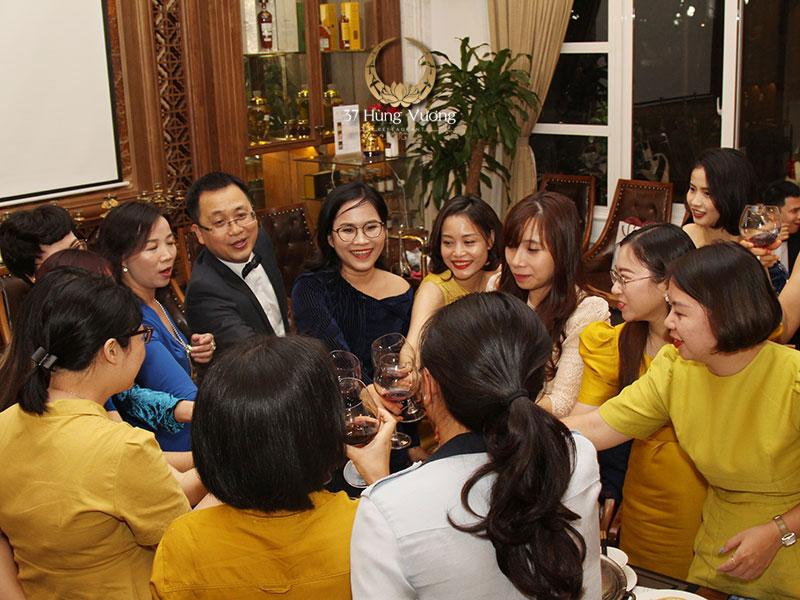 Kinh nghiệm tổ chức tiệc cuối năm cho công ty