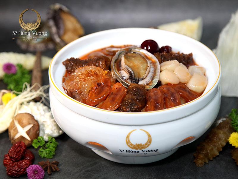 Đỉnh cao trong nghệ thuật ẩm thực chính là sự kết hợp tinh tế từ những nguyên liệu quý hiếm tạo nên món tiềm thơm ngon, độc đáo