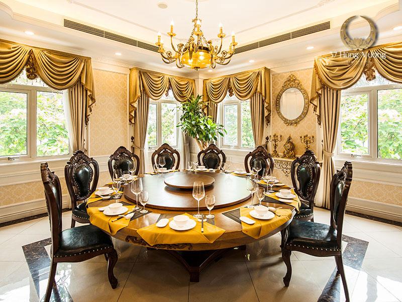 Phòng VIP 2 với sức chứa từ 10 - 12 khách