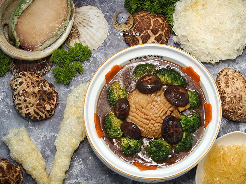 Những món ăn hảo hạng từ thực đơn tiệc đa dạng, phong phú
