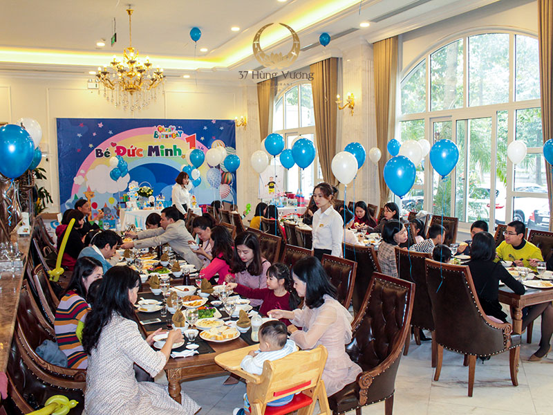 Không gian tổ chức tiệc sinh nhật phù hợp