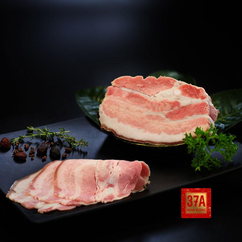 Thịt lợn đen xông trà – Món quà tết độc đáo