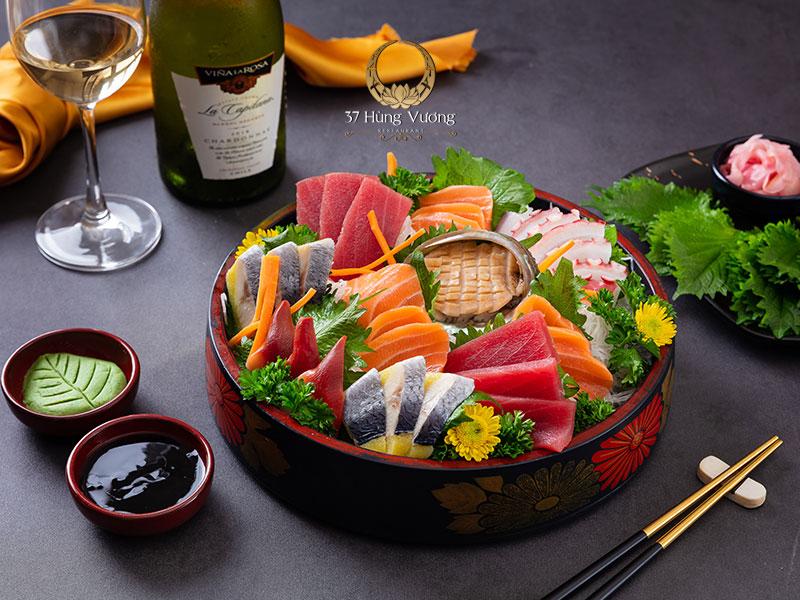 Sashimi Bào ngư - Thực đơn hoàn hảo cho tiệc Giáng sinh ấm áp
