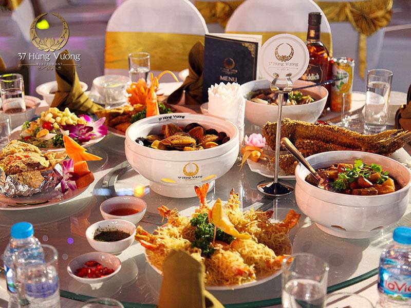 Món ăn chăt lượng trong thực đơn tổ chức tiệc sinh nhật tại nhà hàng