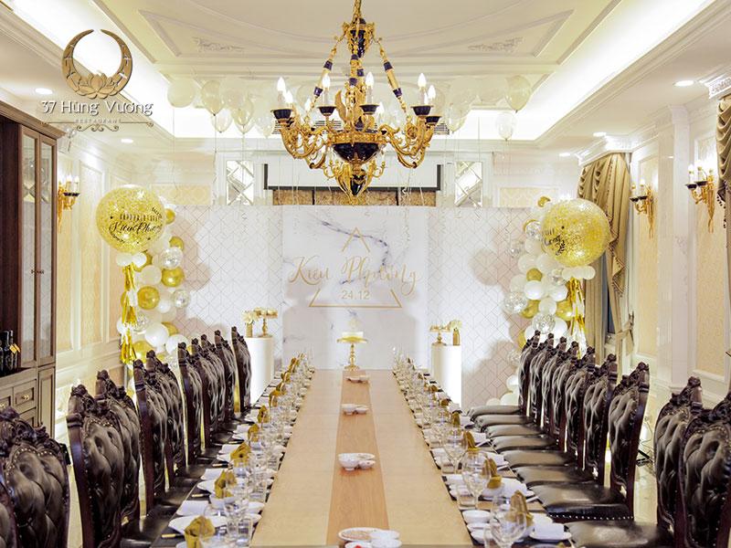 Không gian tổ chức tiệc sinh nhật tại phòng VIP nhà hàng 37A Hùng Vương
