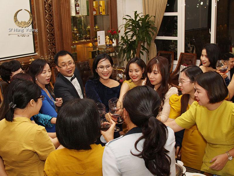 37A Hùng Vương - Nhà hàng tổ chức tiệc đẳng cấp tại Hà Nội