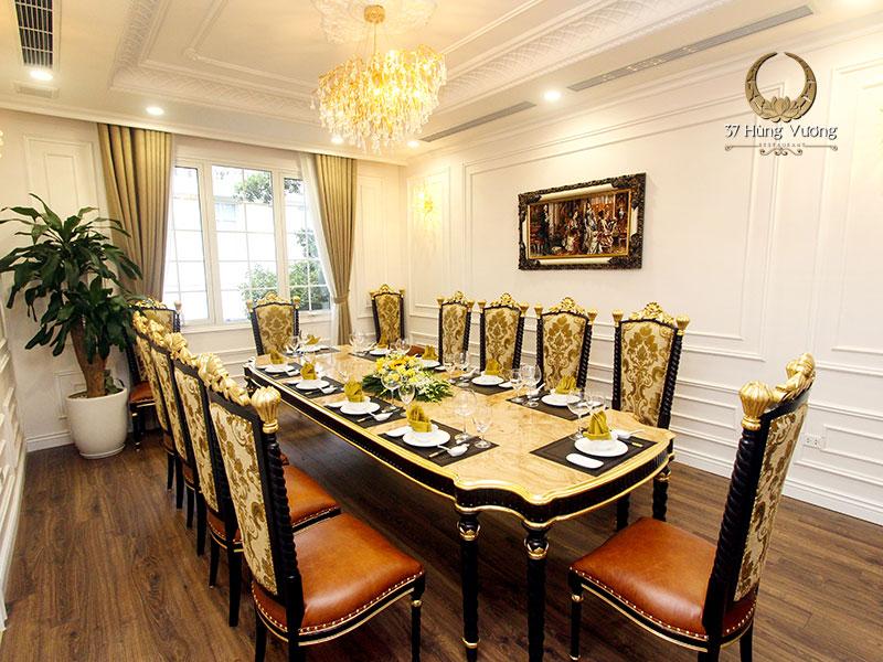 Phòng tiệc VIP mang đến không gian riêng tư, ấm cúng