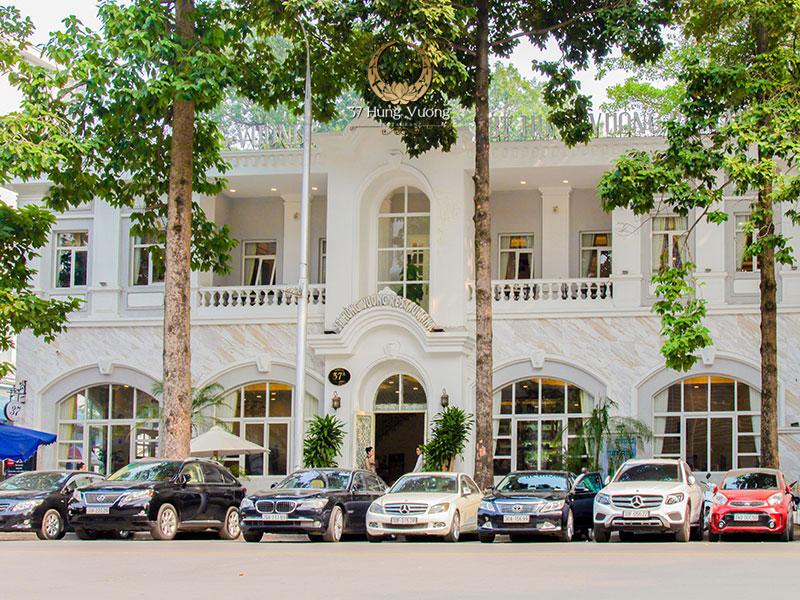 Nhà hàng tổ chức tiệc quận Ba Đình ở vị trí trung tâm