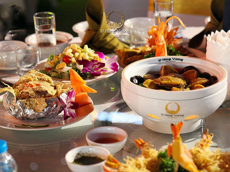 Món ăn trong thực đơn tổ chức tiệc tại nhà hàng 37 Hùng Vương luôn đem đến hương vị đậm đà khó quên