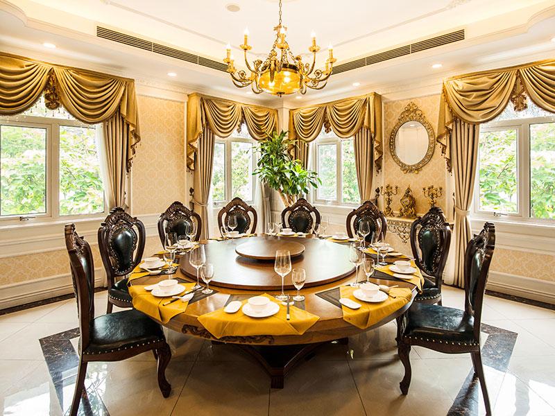 Nhà hàng 37A Hùng Vương có hệ thống phòng VIP hiện đại và sang trọng