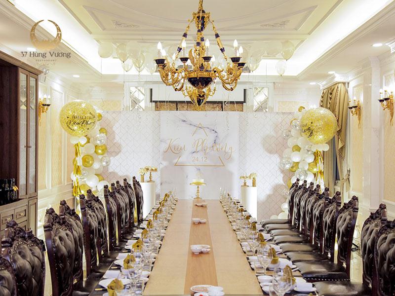 Không gian phòng VIP tổ chức sinh nhật tại nhà hàng 37 Hùng Vương