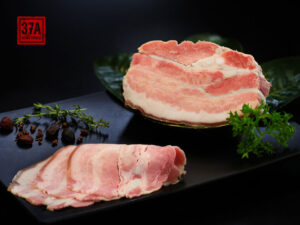 Đặc điểm và giá trị dinh dưỡng của thịt Lợn đen trà xanh