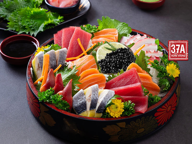 Sashimi trứng cá tầm đen