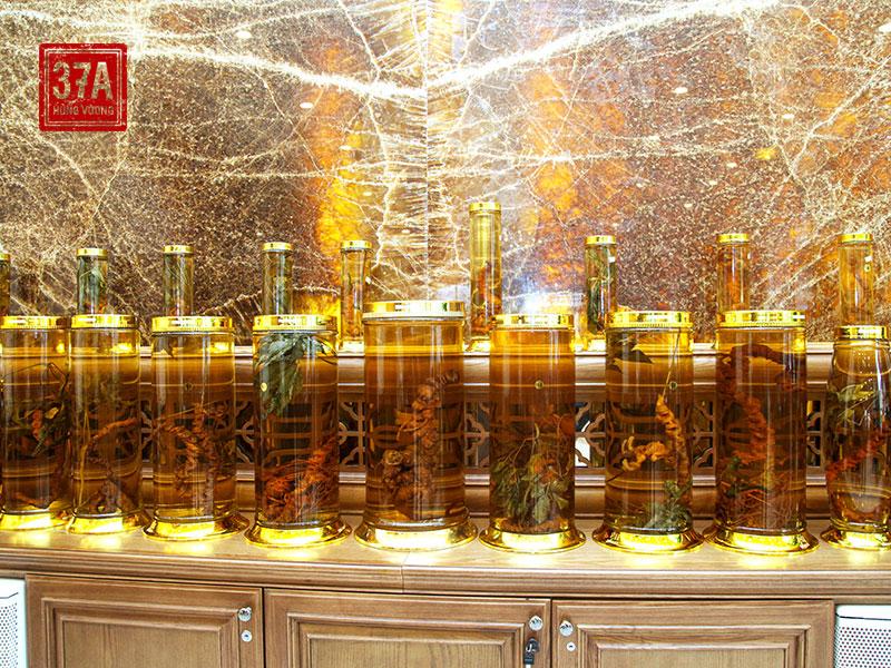 Sâm Ngọc Linh tự nhiên quý hiếm tại nhà hàng 37A Hùng Vương
