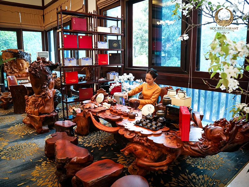 Bàn trà tại nhà hàng NCC